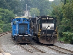 CSX 1123 & NS 6684